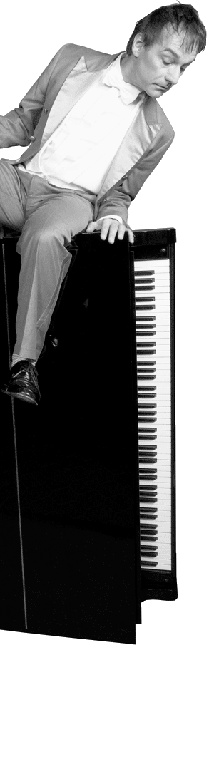 Armin Fischer auf dem Klavier